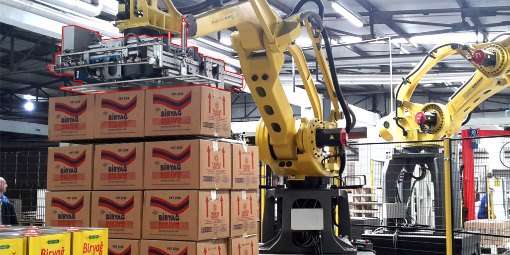 ROBOTIC TINPLATE / PARCEL STACKING AND STRECHWRAP / STRECHHOODING LINE